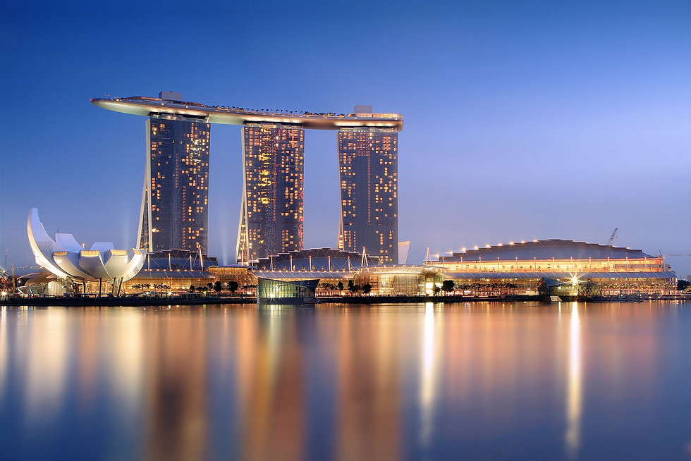2048px-Marina_Bay_Sands_in_the_evening_-