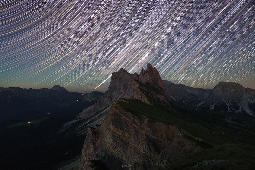 Seceda Star Trails.jpg