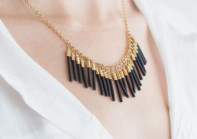 Collar de Oro y negro