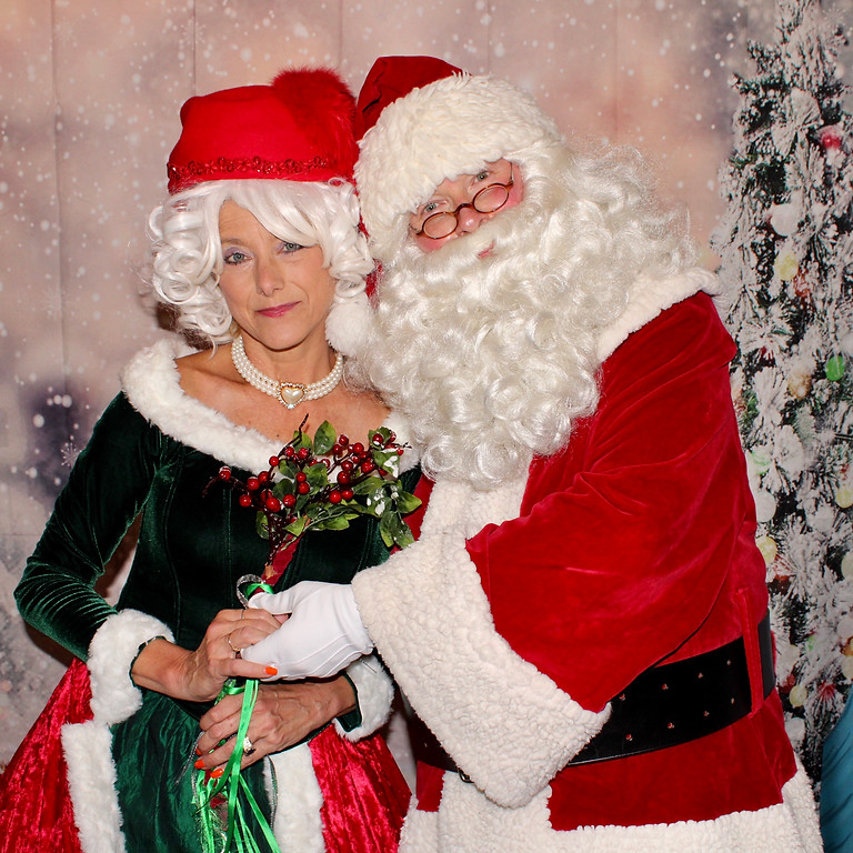 Santa  &  Friends Kick off the HOLIDAYS Event