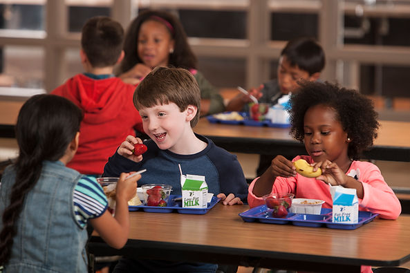 childreneatingbreakfastatschool.jpg
