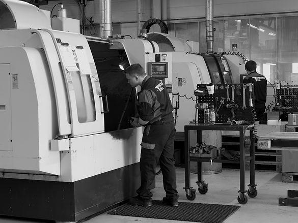 Karl Andre Tafjord ved Maskineringssenteret hos Sykkylven Stål AS