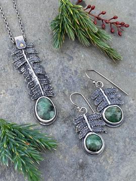 kupukupu fern and emerald set