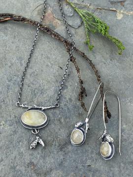 Ivory Sapphire Set