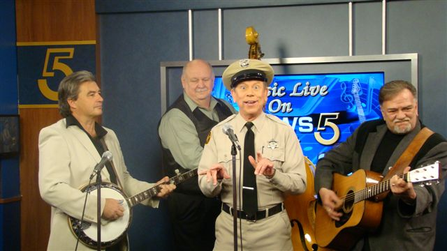 VW_Boys_with_the_Mayberry_Deputy-David_Browing_on_WCYB_TV5s_Noon_Show_1-28-11_29