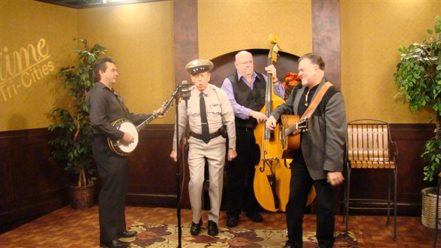 VW_Boys_with_the_Mayberry_Deputy_on_Daytime_Tri-Citie_TV_11_1-27-11_1.JPG