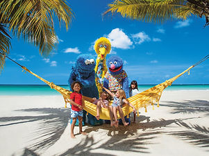 Beaches-Resorts_Hammock_Sesame-Street-Ch