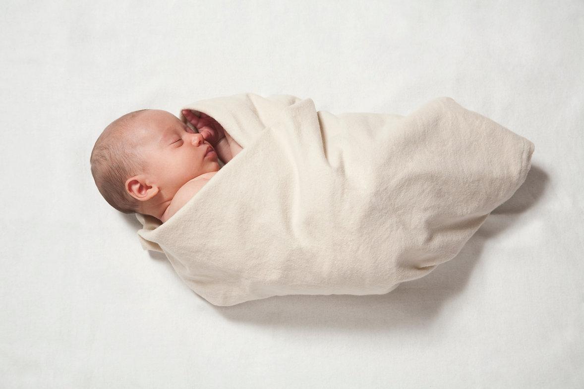 תינוק קטן.jpg