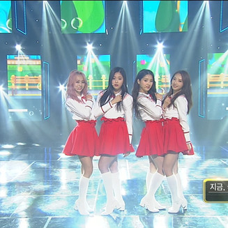 17.03.26 Inkigayo LOONA 1/3 - 지금 좋아해(Love & Live)