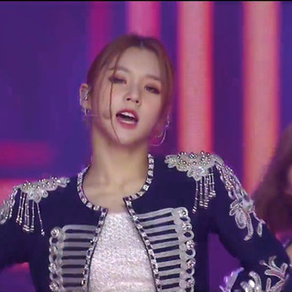 2021.01.09 2021 The 35th Golden Disc Awards with CURAPROX LOONA