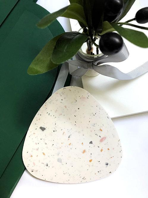 onigiri slates: terrazzo white