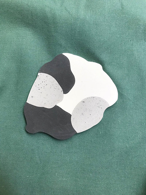 black & white [shape 3]
