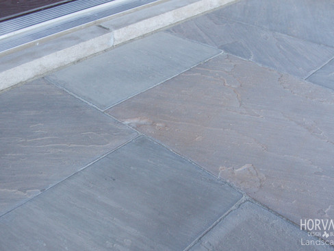 ADVANTAGES OF NATURAL STONE FOR PATIOS