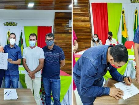 Prefeitura realiza assinatura dos contratados dos profissionais aprovados no Processo Seletivo