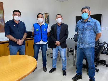 Prefeito firma parceria com Seinfra e garante obras para Assis Brasil