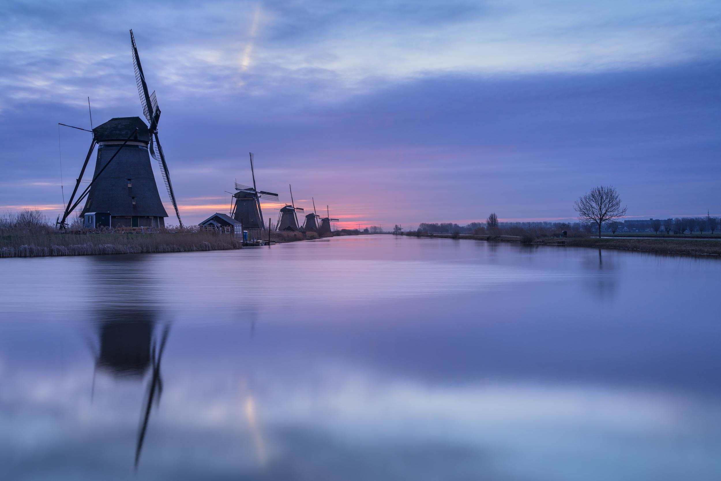Purple morning light at Kinderdijk