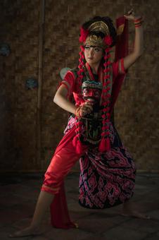 The mask dancer