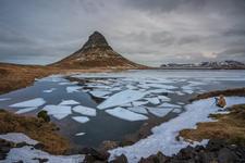 Photographing Kirkjufell mountain