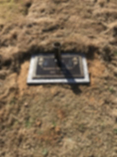 Barefoot Headstone.jpg