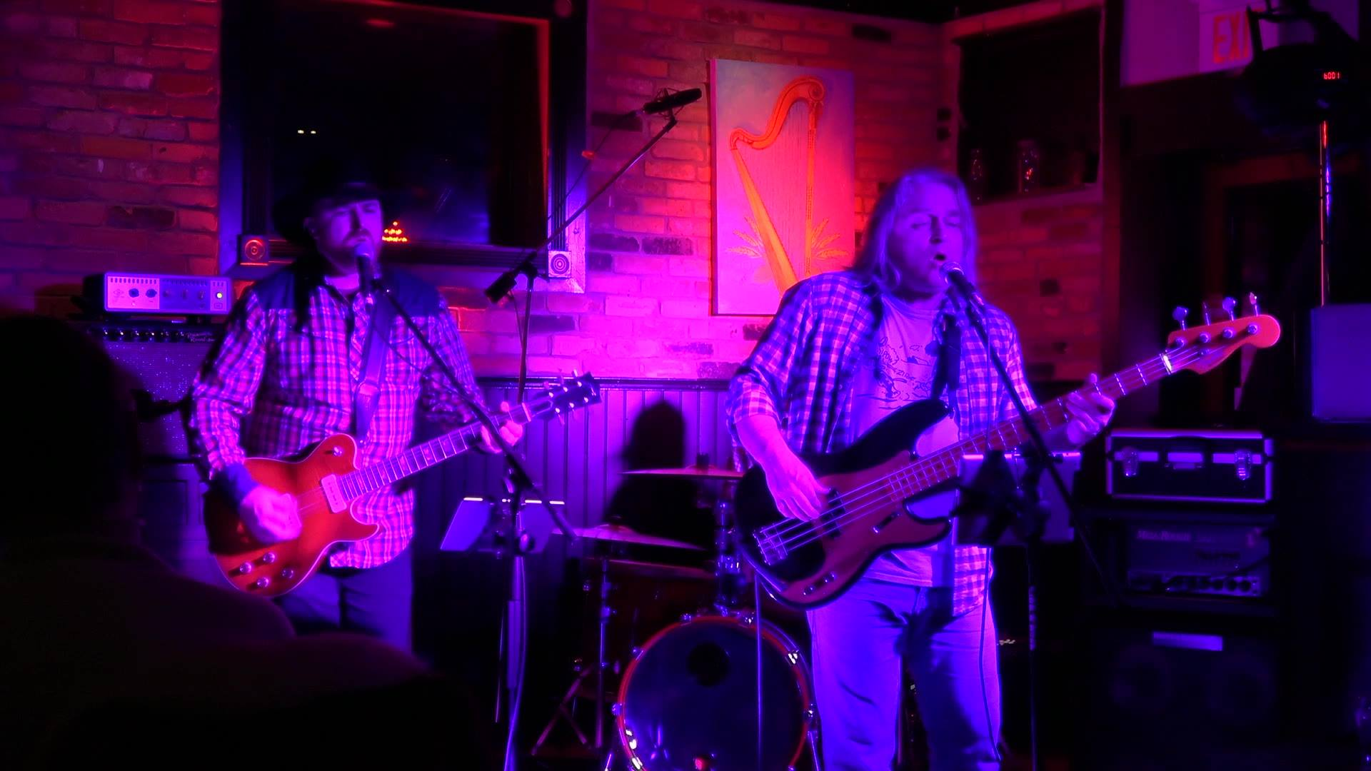The Electric Merchant's Perform Cinnamon Girl, Live at The Red Harp