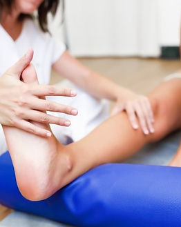 medical-check-legs-physiotherapy-center_