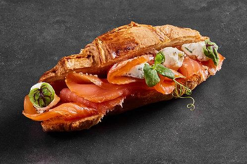 Croissant gefüllt Räucherlachs und Dillricottacreme - 4 Stück