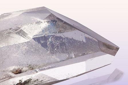 pure-quartz-1151427__480.jpg
