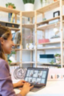 Goede communicatie in de uitvaartbranche is vanwege alle emotie van essentieel belang. Ga aan de slag met een professioneel communicatiebureau in de uitvaartbranche.