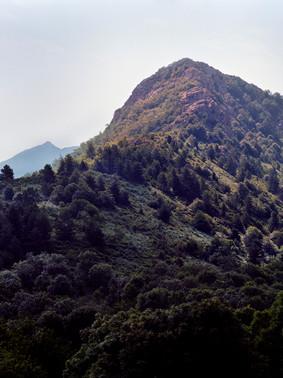Si haute soit la montagne
