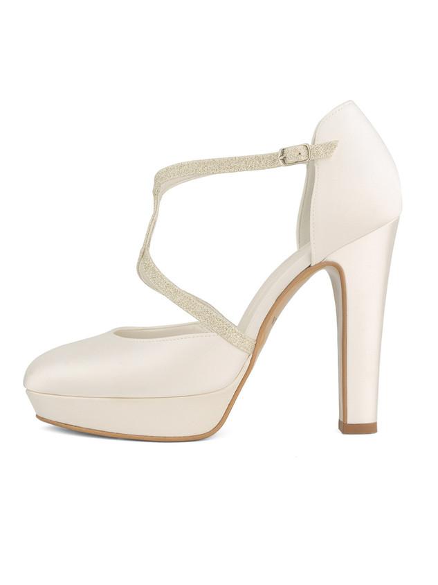 kim-avalia-bridal-shoes_(1).jpg
