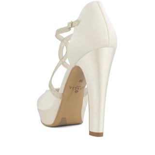 kim-avalia-bridal-shoes_(3).jpg