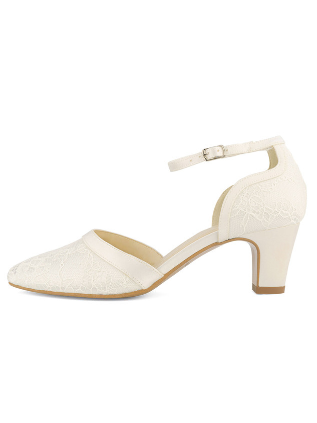 kati-avalia-bridal-shoes_(1).jpg