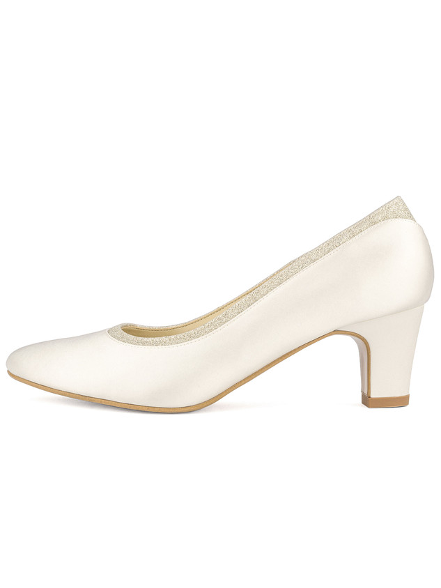 mandy-avalia-bridal-shoes_(1).jpg