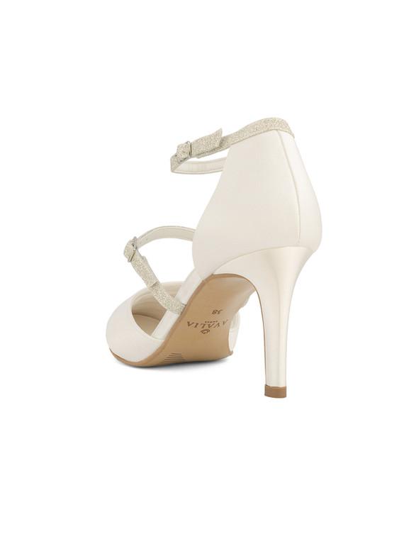 linda-avalia-bridal-shoes_(3).jpg
