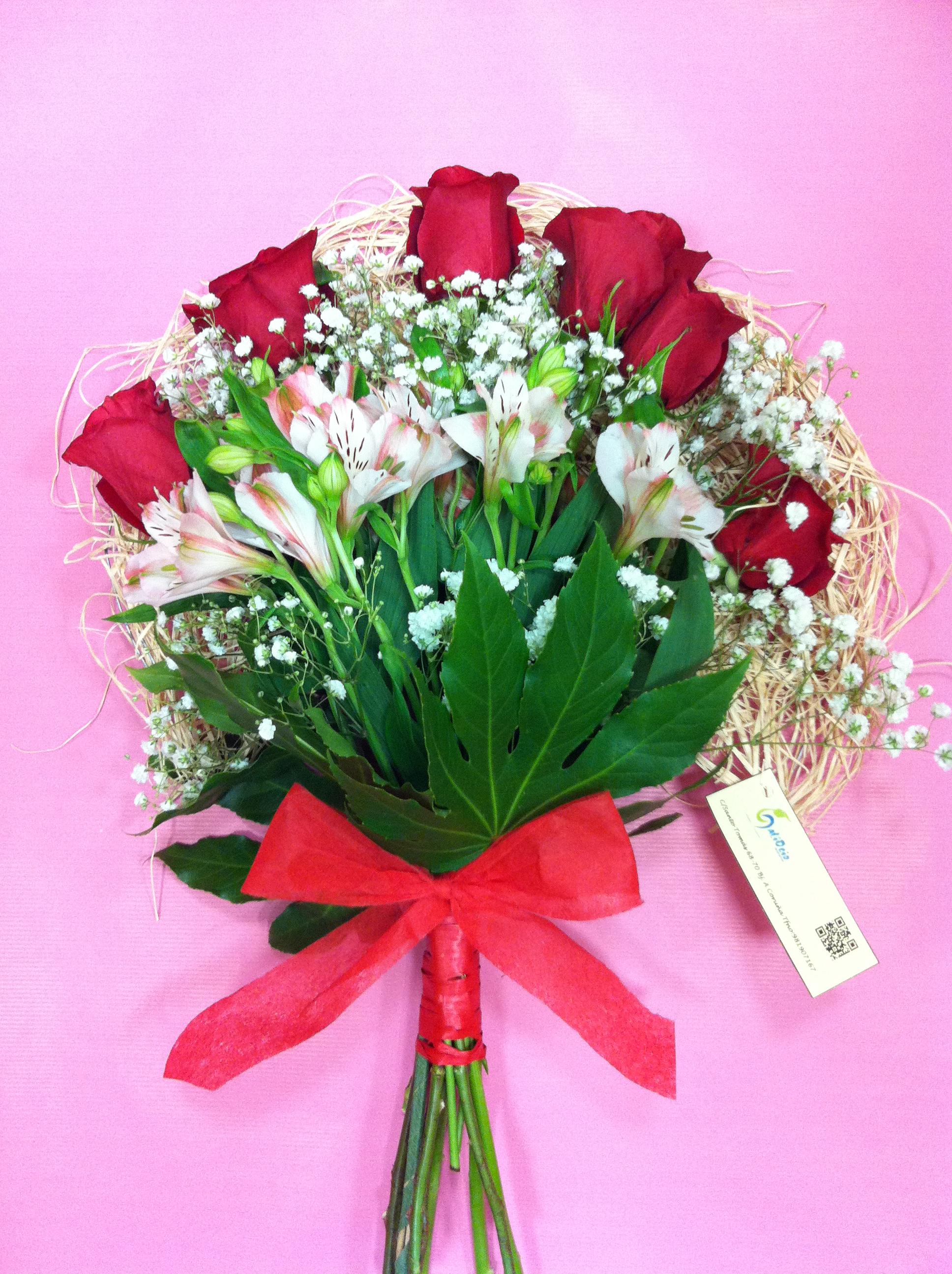 Ramo de rosas en abanico