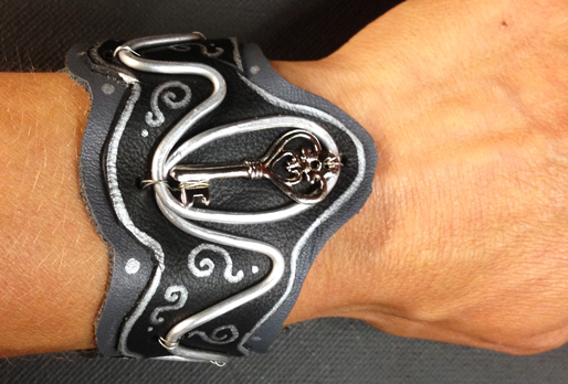 2014 LTB Painted Leather and Key (On Hand)