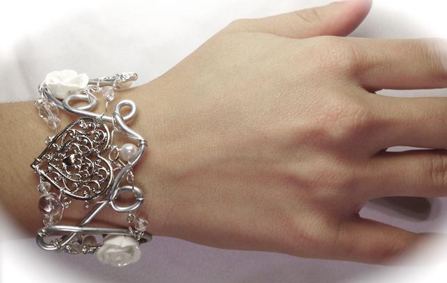 2013-07 LTB Bridal Fantasy (Bracelet on hand)