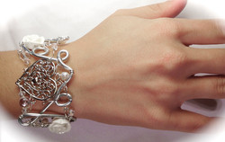 2013-07 LTB Bridal Fantasy (Bracelet on hand)