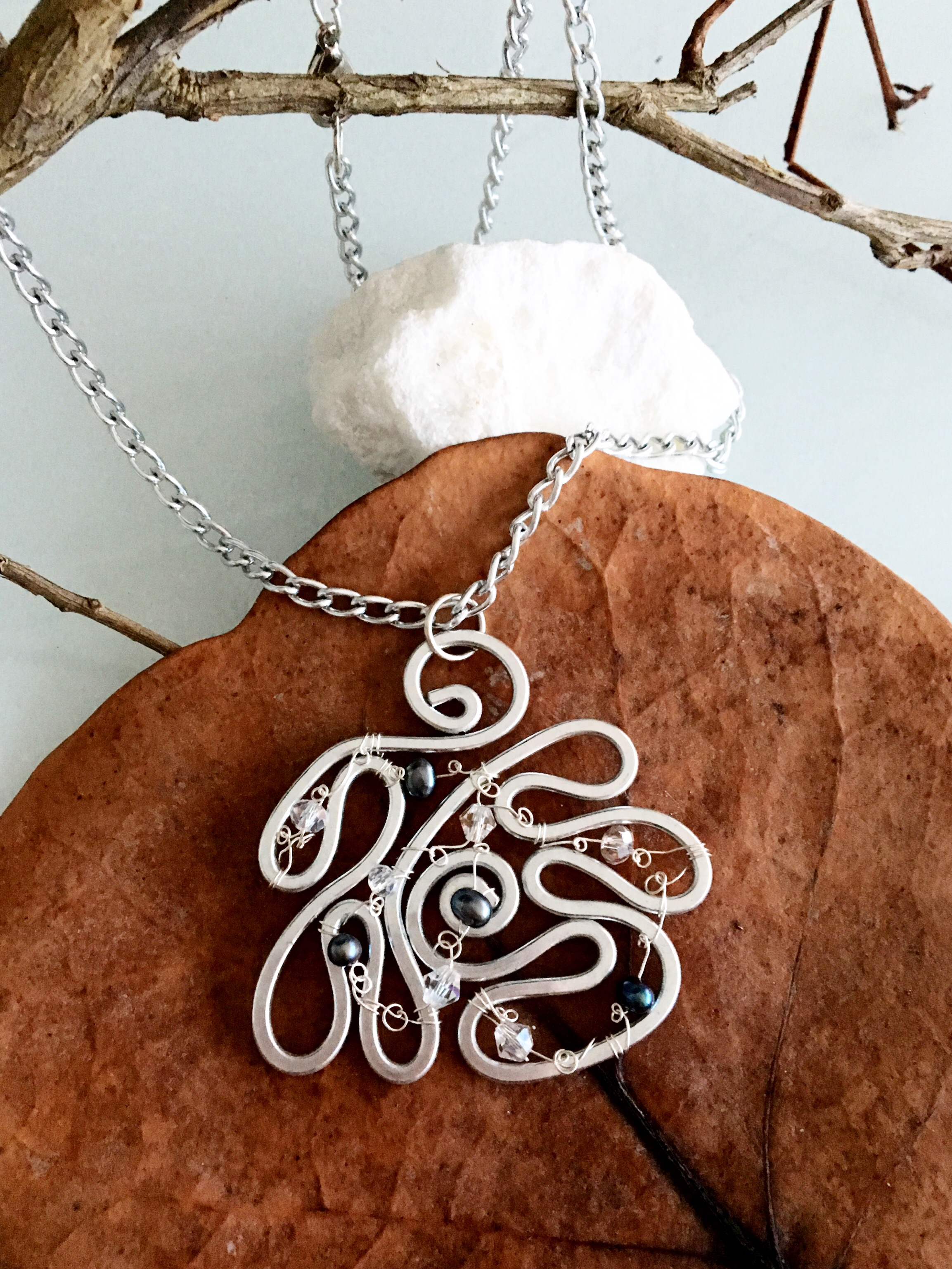 Ethereal Esther Pendant - Large Wavy - Aluminum Silver - Pearls