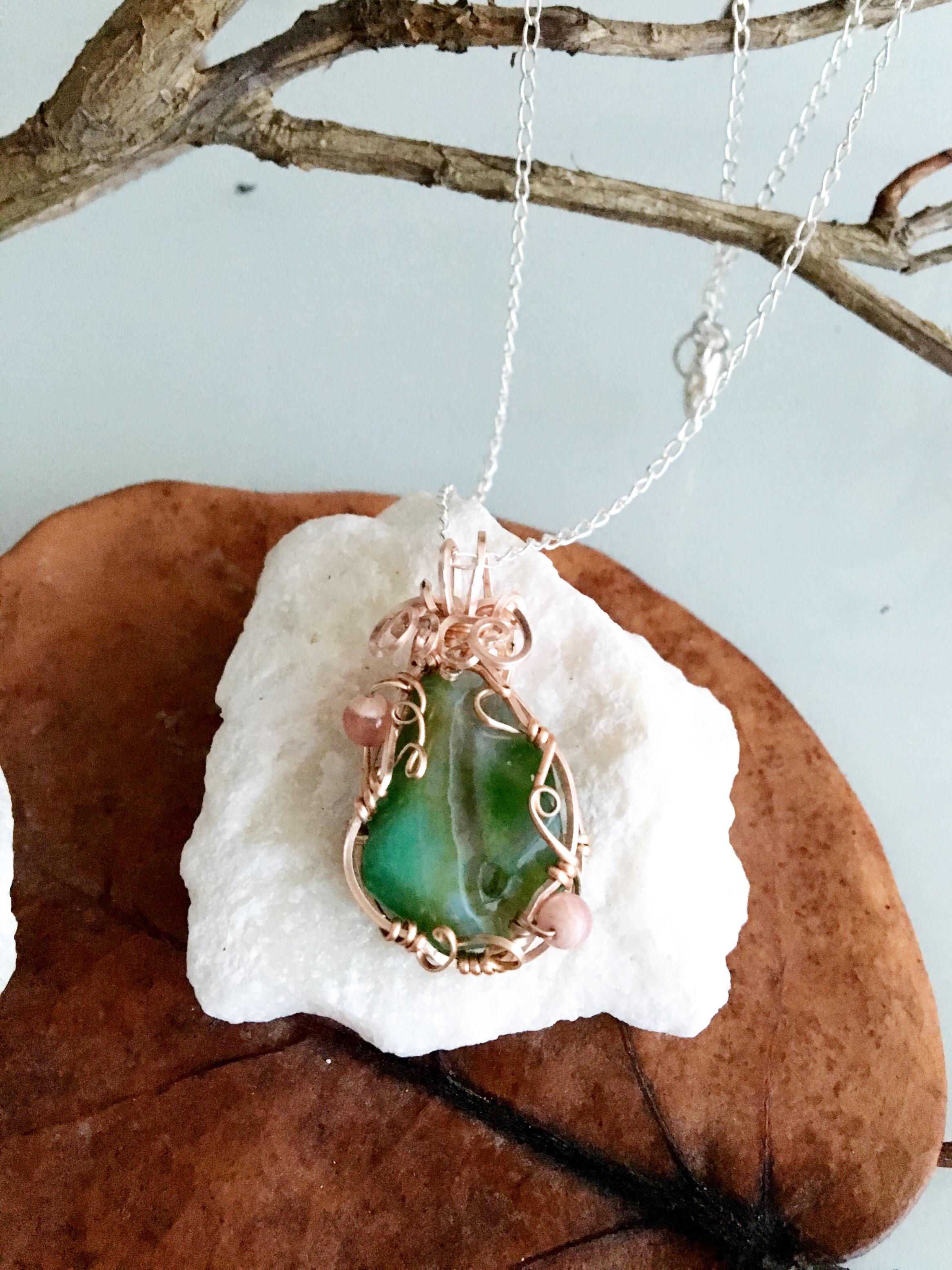 Qhresnna Quartz Necklace - Green Agathe aventurine and Rhodocrosite - Silver Plated