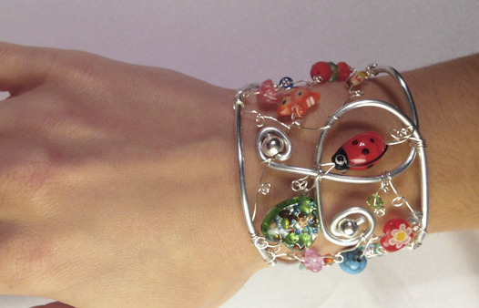 2013-07 STB Whimz (Bracelet on hand)