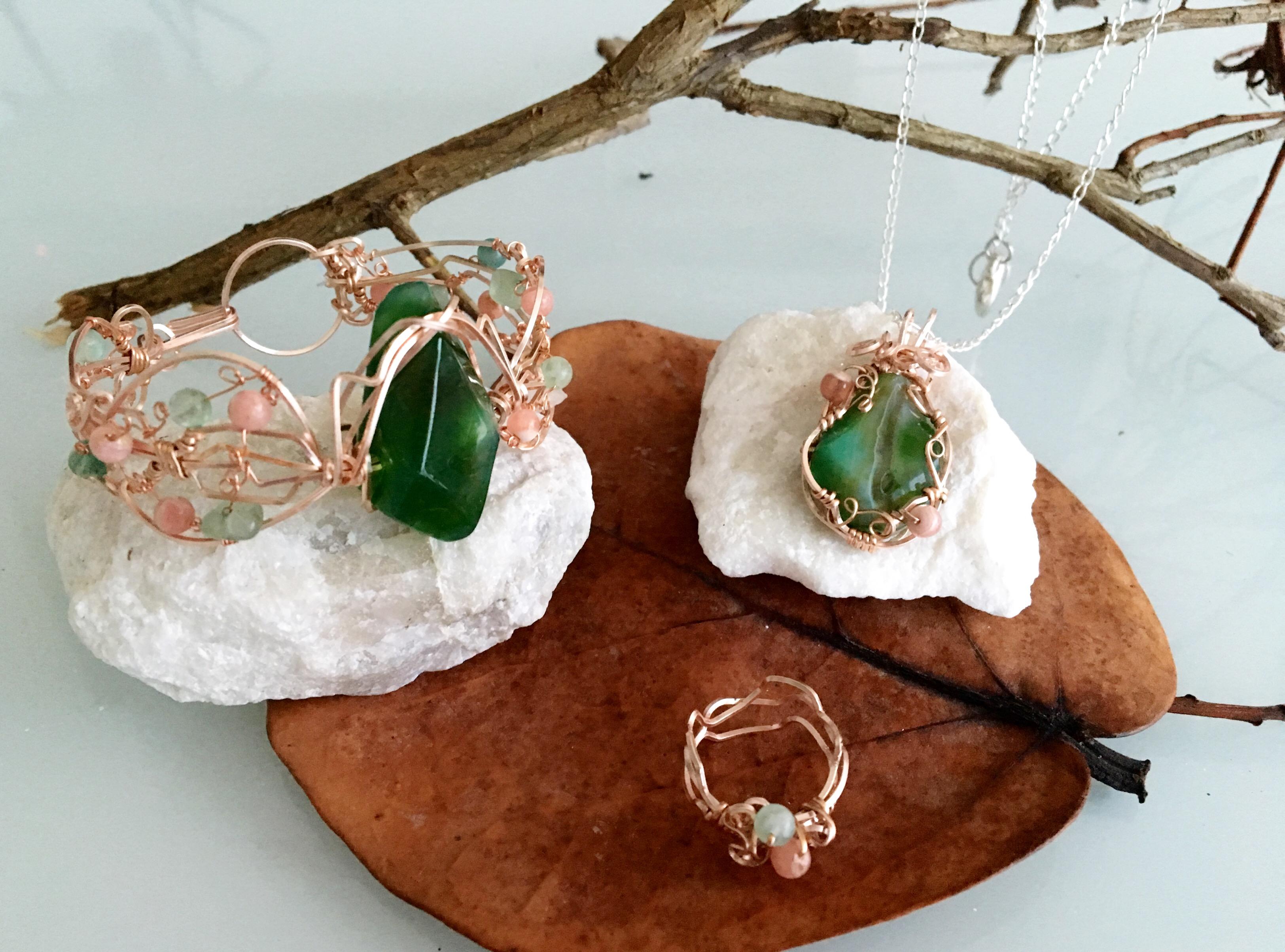 Qhresnna Quartz Set - Green Agathe aventurine and Rhodocrosite - Silver Plated