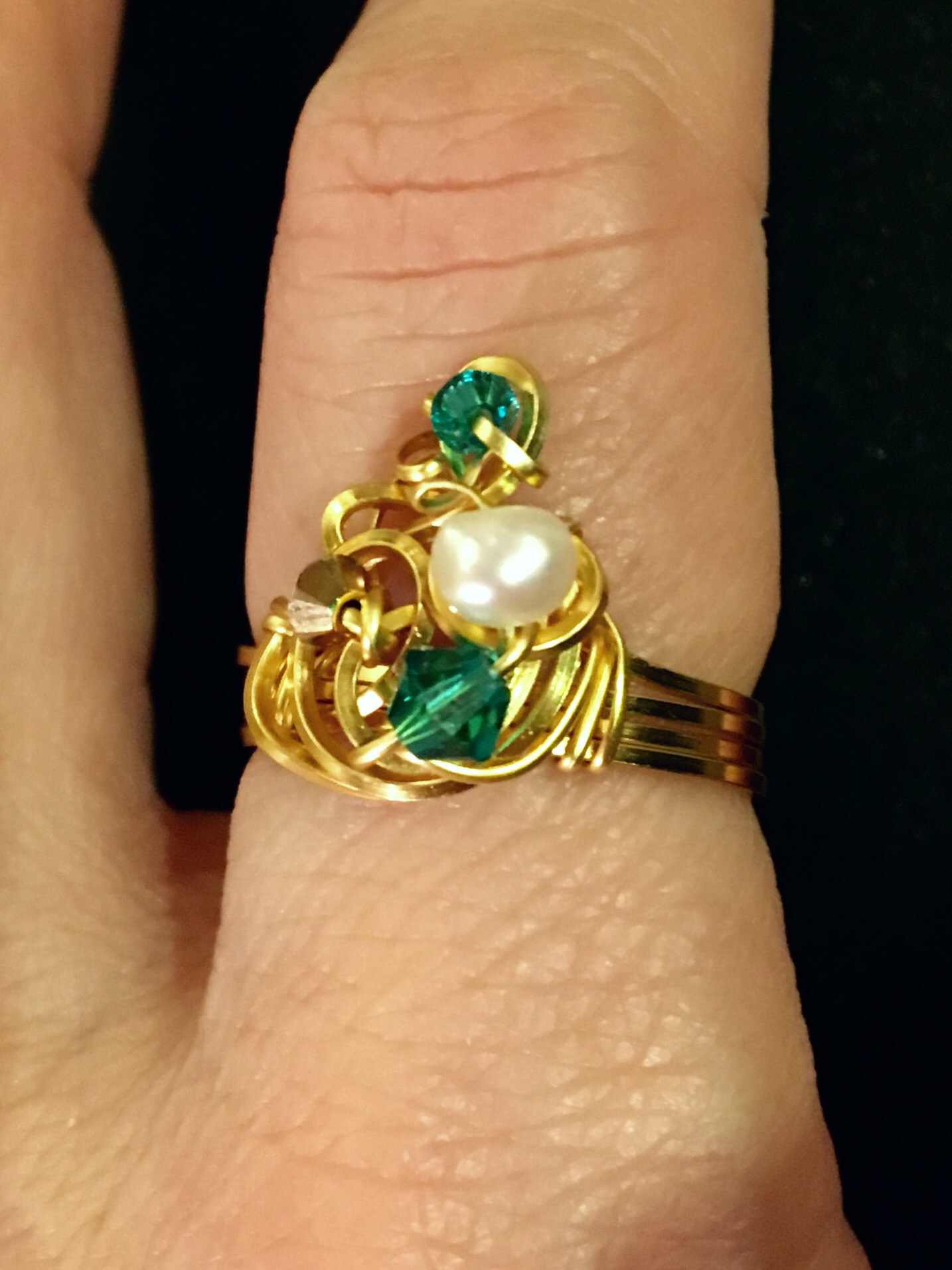 Dainty Deva Ring - Pearls and green swarovsky - silver Plated Gold Color.