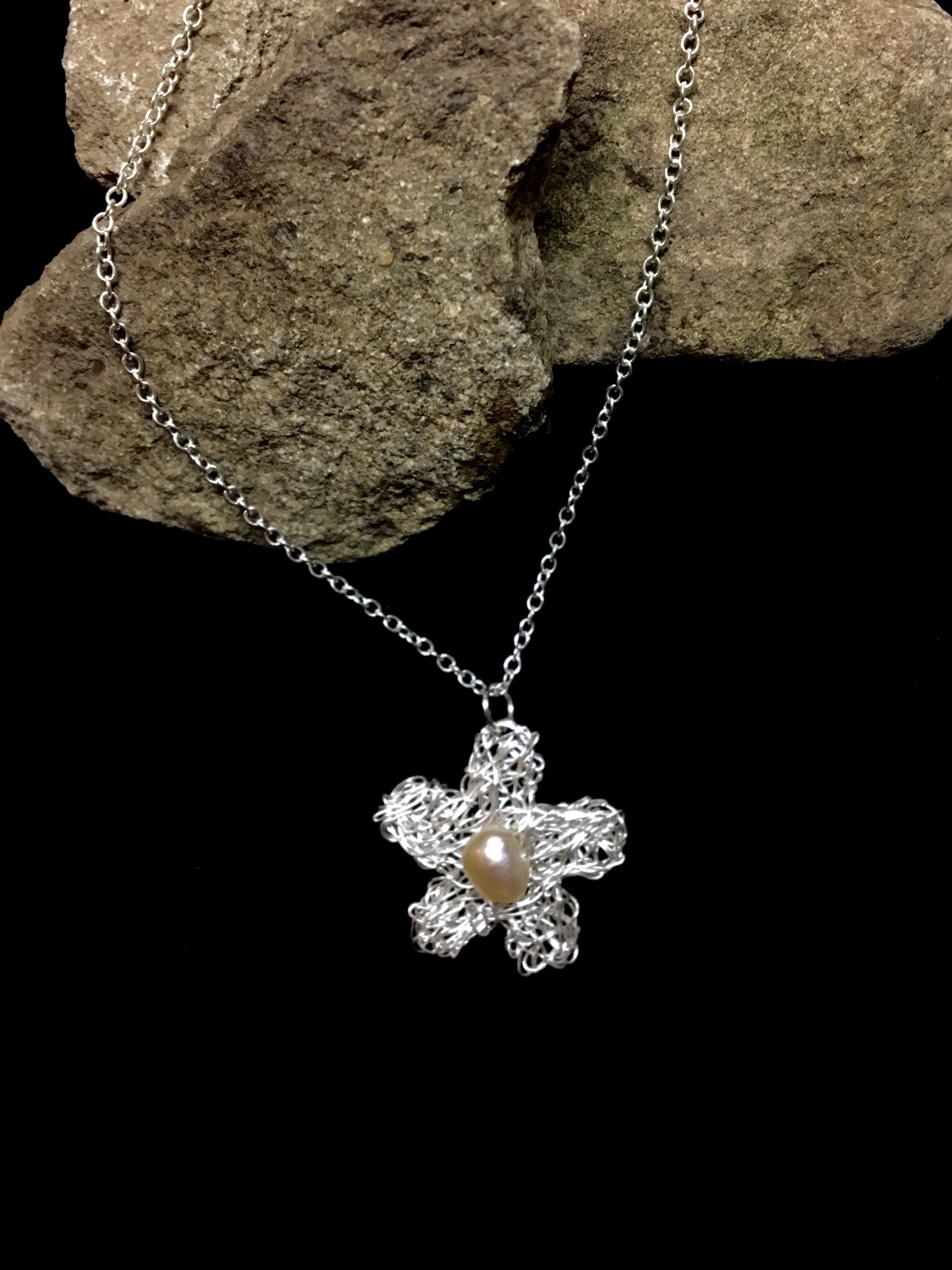Candid Claire Necklace - Tangled Flower - Silver plated