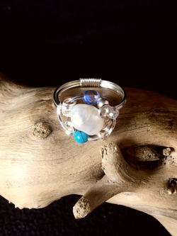 Dainty Deva Ring - Big Pearl and Turquoise - Silver Plated