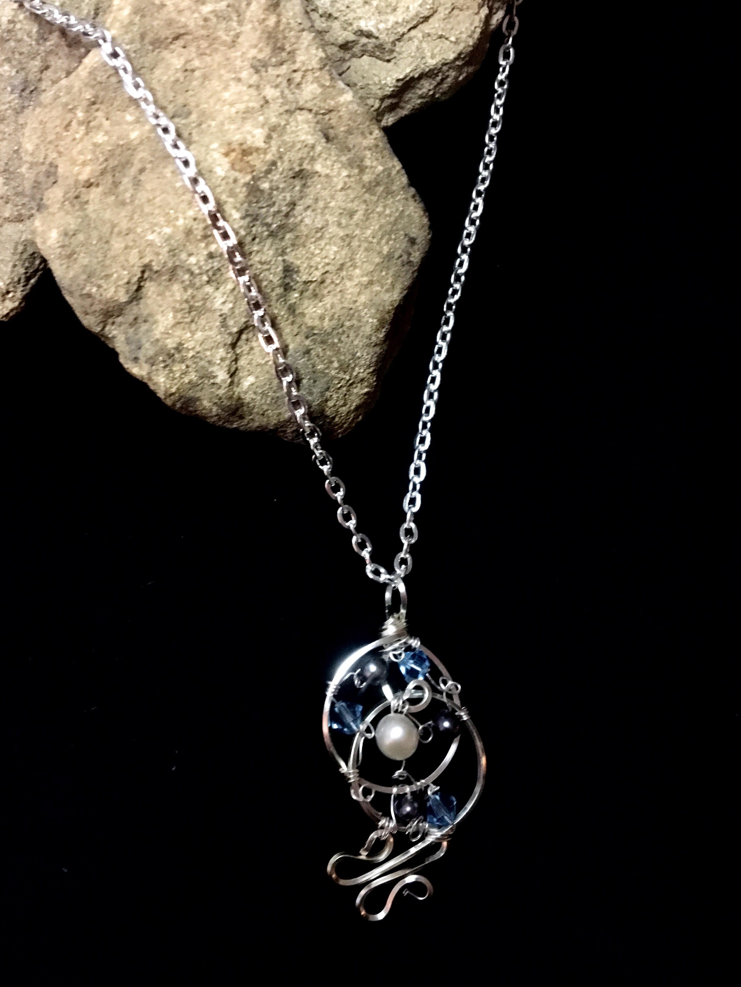 Dainty Deva Necklace - Pearls and blue swarovsky - Silver Plated