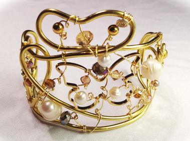 2013-07 STB Angelic Gold (Bracelet)