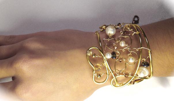 2013-07 STB Angelic Gold (Bracelet on hand)