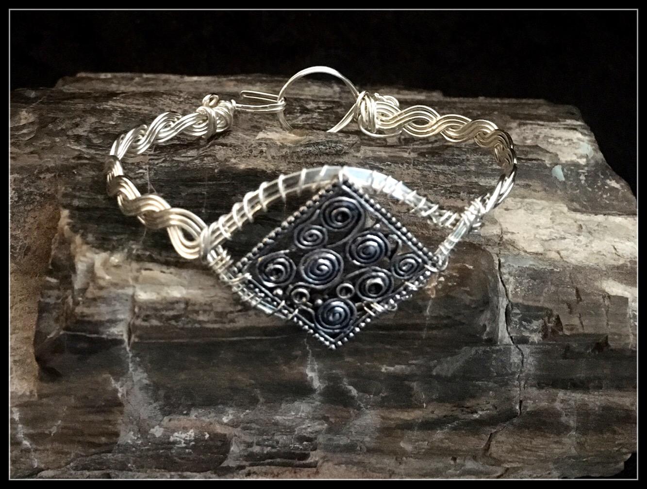 2016 Braid Bracelet swirl charm