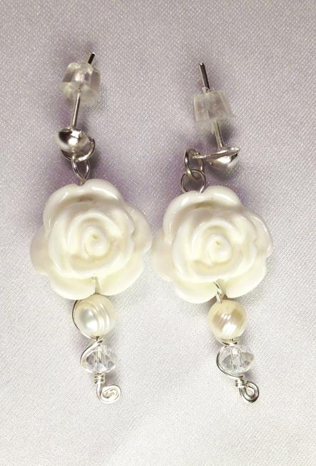 2013 Bridal Fantasy earrings 1